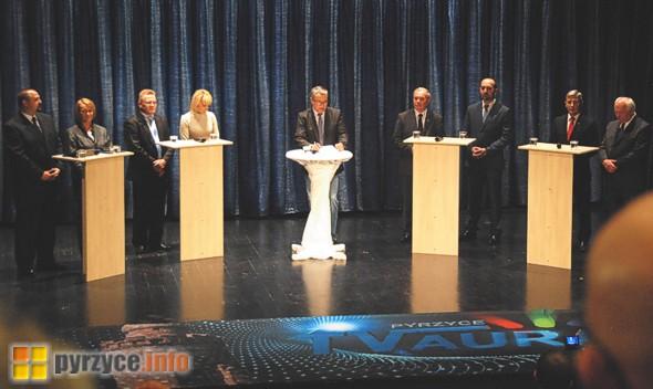 Ośmiu kandydatów na burmistrza Pyrzyc – w jednej debacie