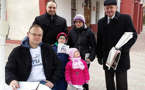 Pyrzycki PiS zbiera podpisy dla Andrzeja Dudy