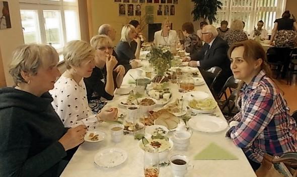 Śniadanie Wielkanocne w ŚDS w Mielęcinie
